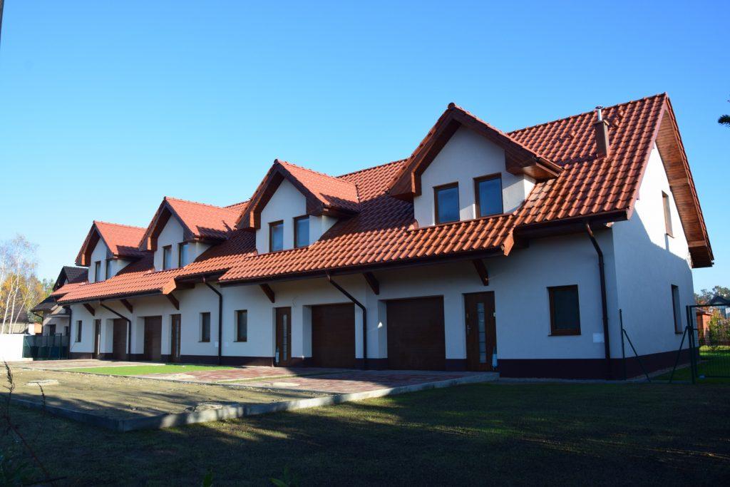 4 budynki w zabudowie szeregowej